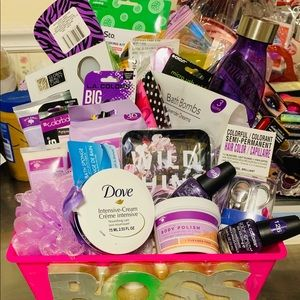 BEAUTIFUL PURPLE SPA GIFT BASKET !!!!